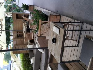 Leseno pohištvo za lokal